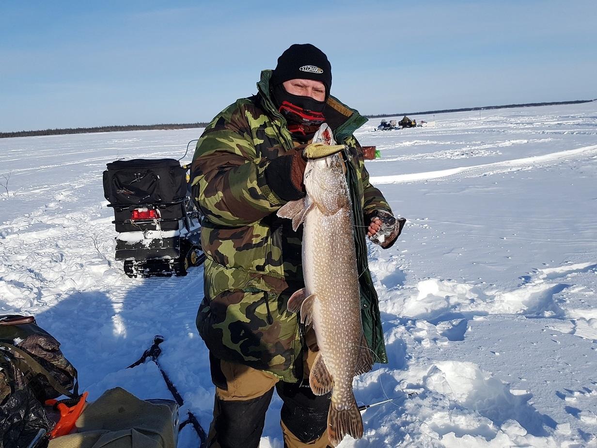 Зимния рыбалка на ямале